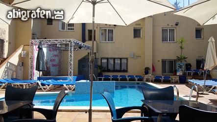 Pool auf unserer Abireise nach Spanien